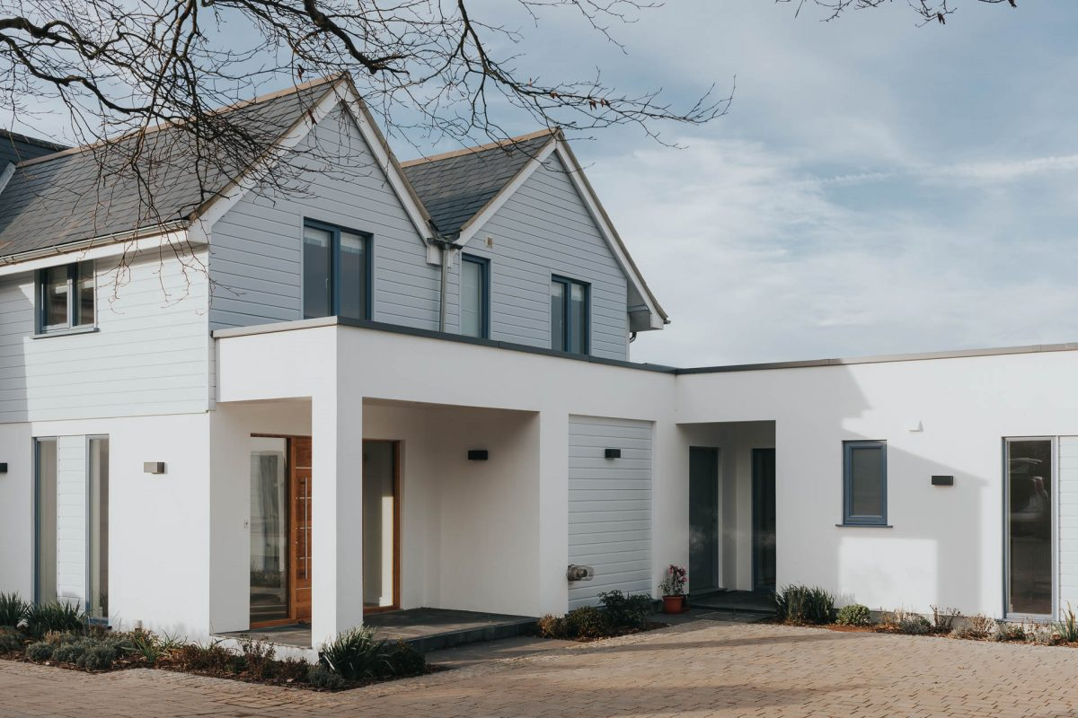 Timber clad beach house by South Devon Architects Andrew Lethbridge Associates