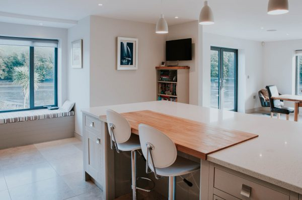 Open plan kitchen dining space by South Devon Architects Andrew Lethbridge Associates