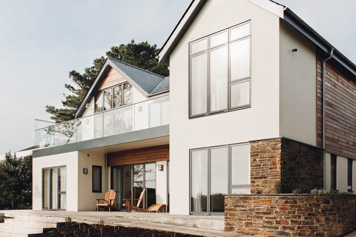 idealcombi windows and sliding doors used in an award winning house by south devon architects andrew lethbridge associates