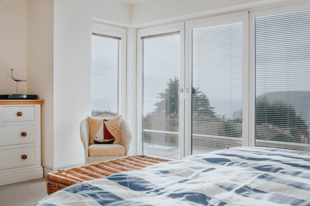 internorm windows with integrated venetian blinds in an award winning house by south devon architects andrew lethbridge associates